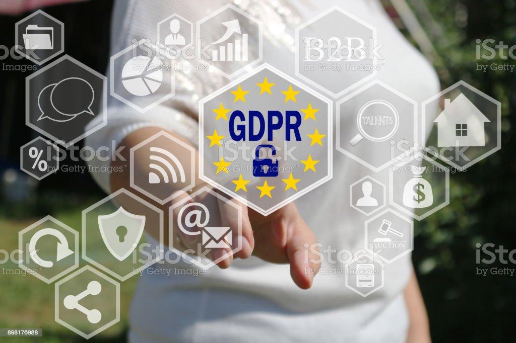 A empresária escolhe o PIBR na tela de toque. Conceito geral do Regulamento de proteção de dados. - foto de acervo