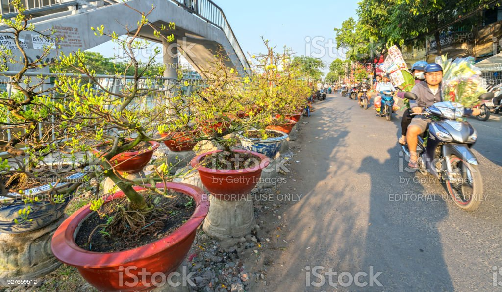The bustle of buying flowers at flower market, locals buy flowers royalty-free stock photo