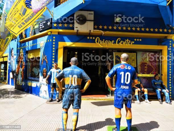 Foto de A Rua Caminito Do Distrito De La Boca Na Cidade De Buenos Aires e mais fotos de stock de Amarelo