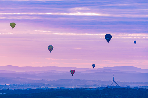 istock The Capital Hill Of Canberra During The Spectacular Balloon Festival in 2017 682130164