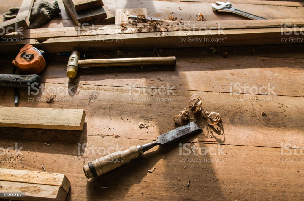 The carpenter was working furniture wood in studio foto stock royalty-free
