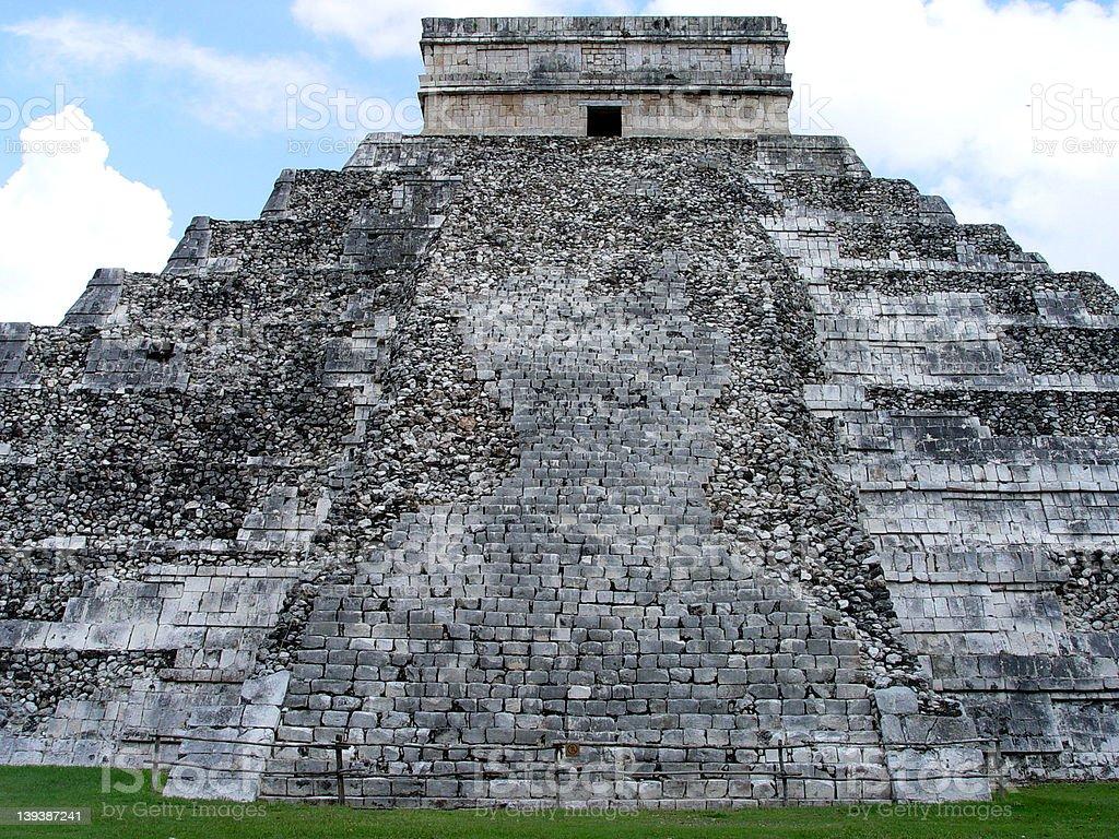 El Castillo - Chichen Itza stock photo