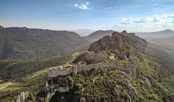 Het kasteel van Peyrepertuse Frankrijk foto