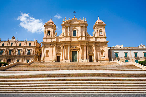 the cathedral in late baroque style town noto, sicily, italy - noto sicily 個照片及圖片檔