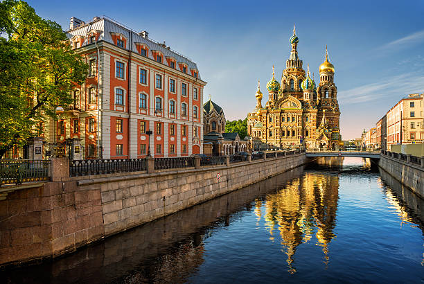 the cathedral of our savior on spilled blood with reflection - russia stock pictures, royalty-free photos & images