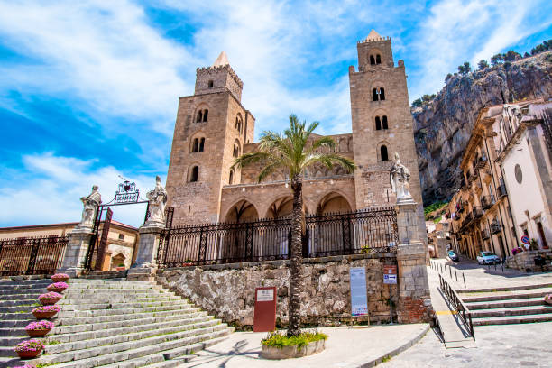 The Cathedral-Basilica of Cefalù, Sicily - foto stock