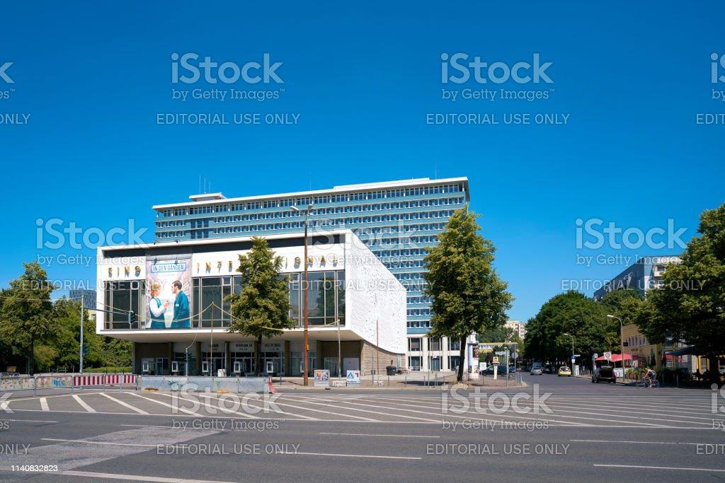 Das Cinema International in der Karl-Marx-Allee in Berlin Mitte. – Foto