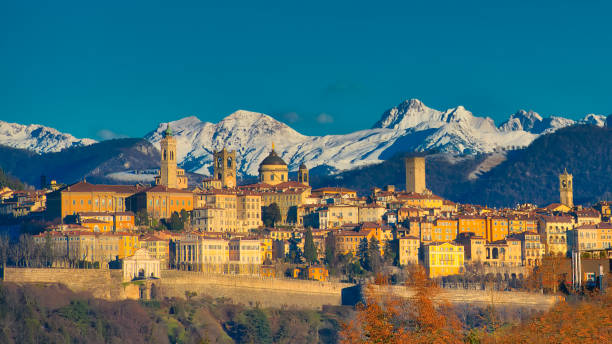 The city of Bergamo with high – Foto