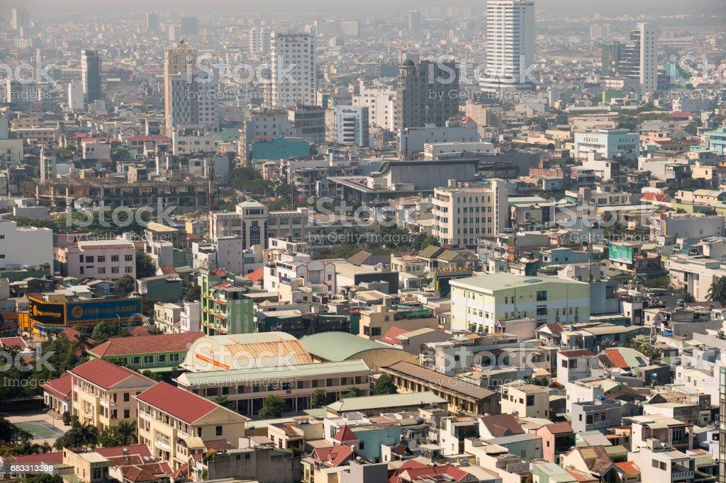 DA NANG, VIETNAM-APR 8: Het stadsbeeld van Da Nang bekeken vanaf de bovenkant, Da Nang, Vietnam. royalty free stockfoto