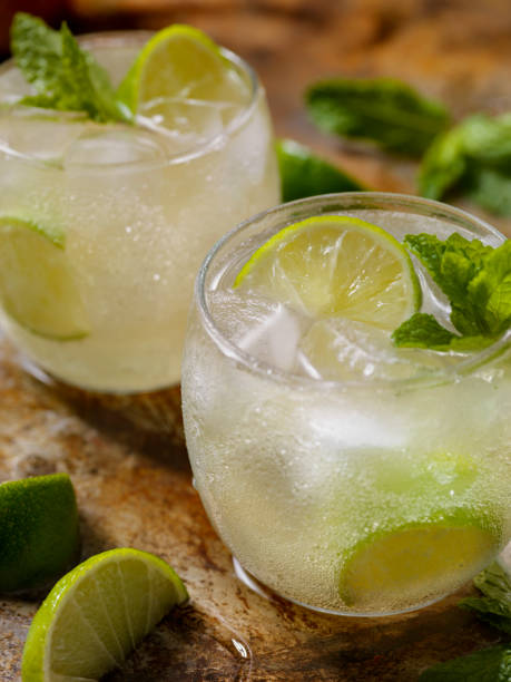The Classic Moscow Mule Cocktail The Classic Moscow Mule Cocktail, Ginger Beer, Vodka and Lime tonic water stock pictures, royalty-free photos & images