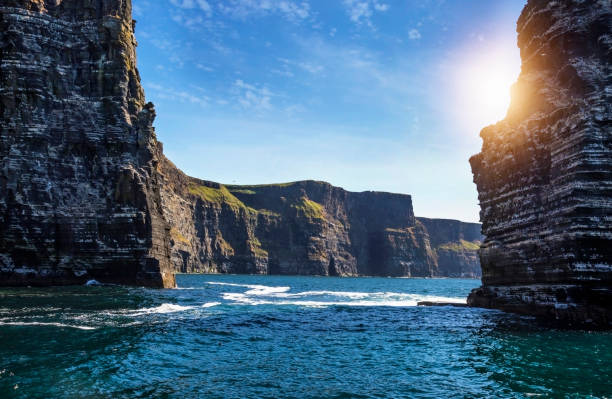 the cliffs of moher, branaunmore sea stack - cliffs of moher stock pictures, royalty-free photos & images