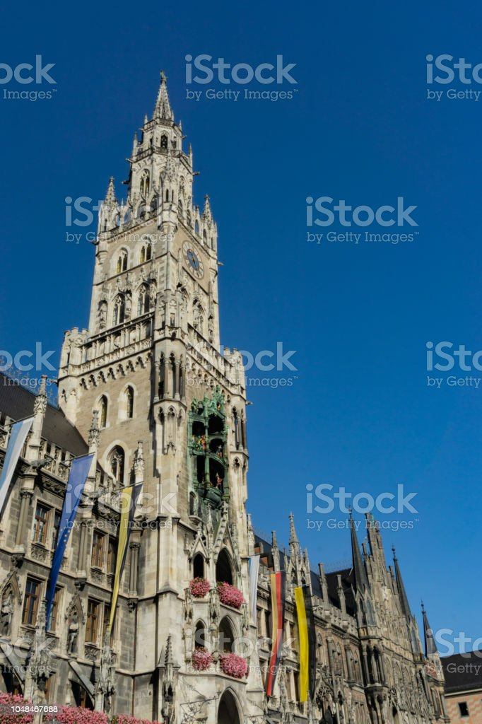 Es Nuevo La Un Ayuntamiento Del Marienplatz Reloj Torre En QBdrxtCosh