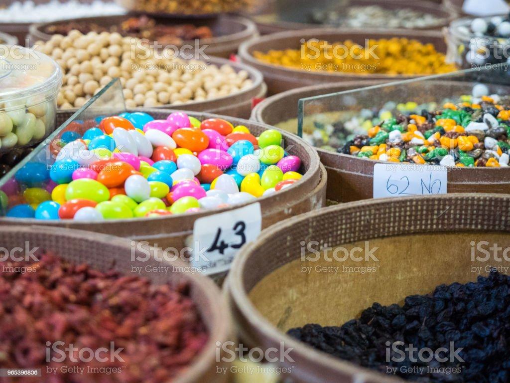 Die Farben der Straßenmärkte in alten Städten der Türkei. - Lizenzfrei Alt Stock-Foto