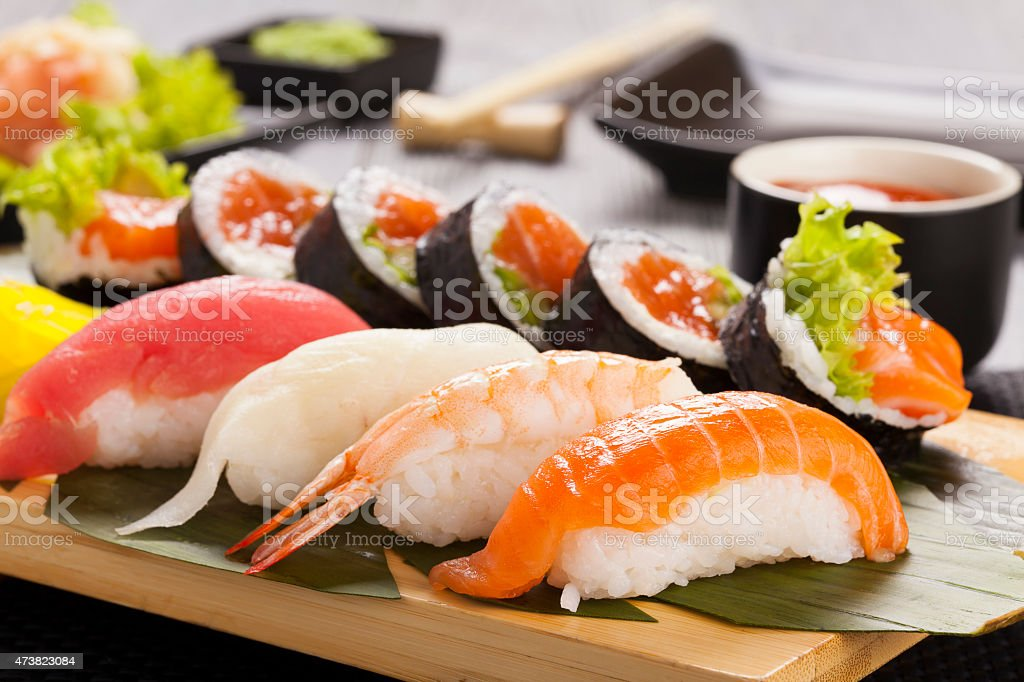La composition de sushi nigiri - Photo