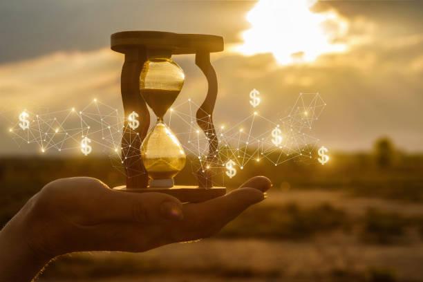 o conceito de tempo e as novas idéias financeiras. - longo - fotografias e filmes do acervo