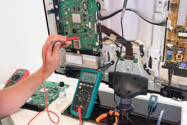 Best Tv Circuit Board Repair Stock Photos, Pictures
