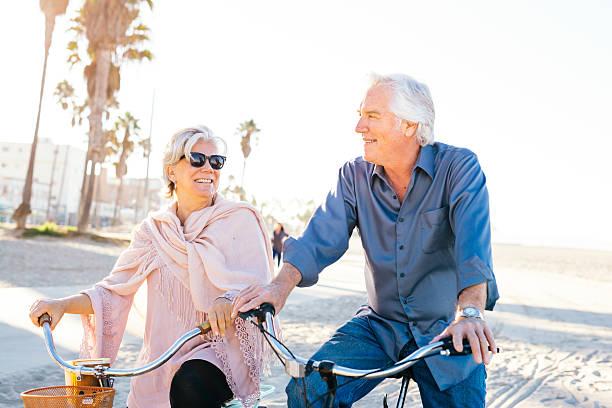 the cost of retirement happiness - kalifornien ostsee stock-fotos und bilder