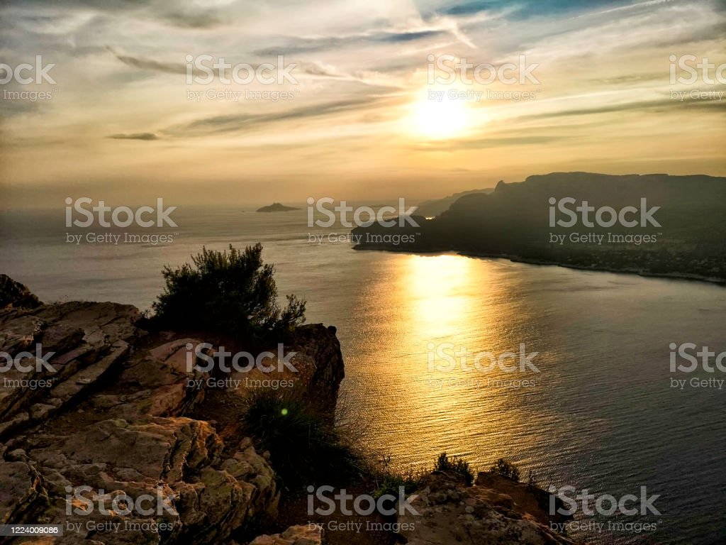 """The creeks of the city of Cassis seen from the """"Cap Canaille"""" - Royalty-free Bay of Water Stock Photo"""