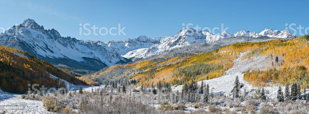 秋、コロラドのロッキー山脈でダラスの分割 ロイヤリティフリーストックフォト