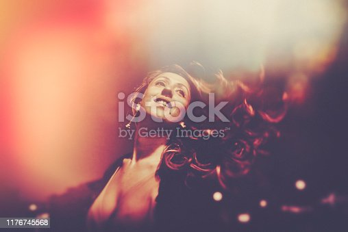 dancing, street, Berlin, one young woman only, dancer, night, nightlife, outdoors