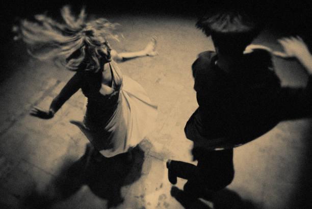die tänzer des abends - rock n roll kleider stock-fotos und bilder