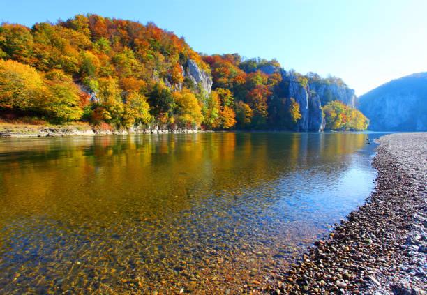 Die Donau fließende Trog Canyon in der Nähe von Kelheim in Bayern, Deutschland. – Foto