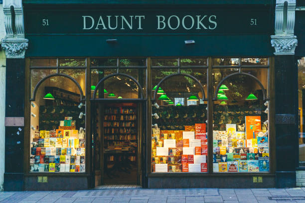 The Daunt Books on End Road in Hampstead, London London/UK-1/08/18: the Hampstead Daunt Books branch. Daunt Books is a chain of bookshops in London, founded by James Daunt. It traditionally specialised in travel books daunt stock pictures, royalty-free photos & images