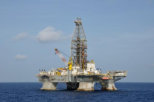 """Резултат с изображение за """"нефтена платформа Дийпуотър Хърайзън."""""""