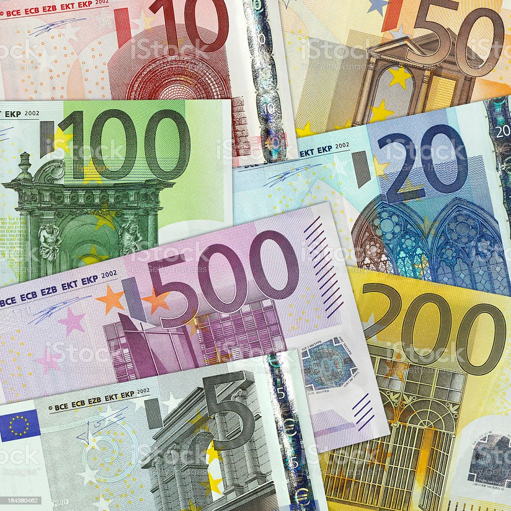 Moneda europea en un gráfico - foto de stock