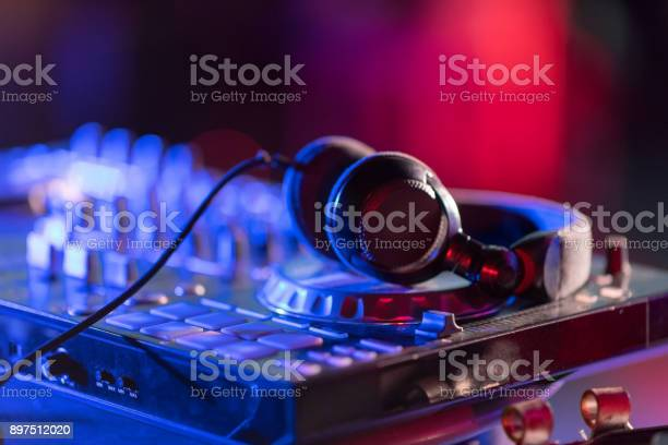 The dj console cd mp4 deejay mixing desk ibiza house music party in picture id897512020?b=1&k=6&m=897512020&s=612x612&h=sckwycsji2fpyv q4jd 90i2h8hpcvaulexaubjbo8s=