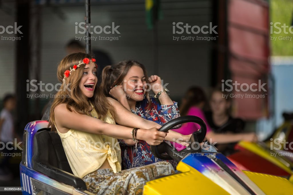 Die Autoscooter machen Spaß! – Foto