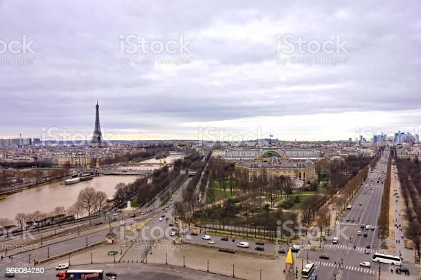 Eiffeltornet-foton och fler bilder på Berömd plats