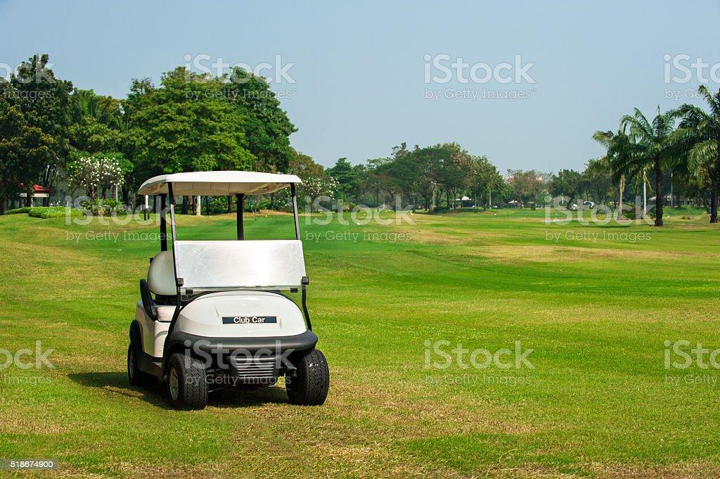 La voiture électrique de Golf sur le parcours - Photo