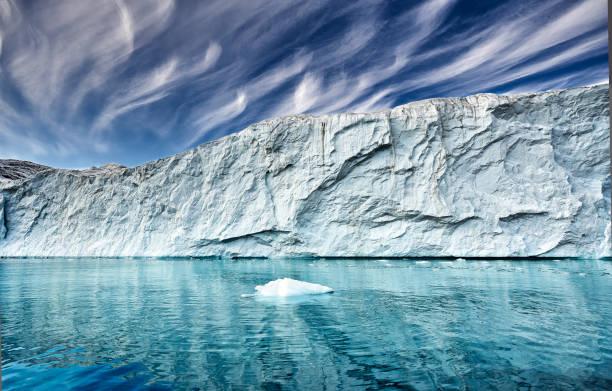 am Ende eines Gletschers in einem Fjord in Grönland – Foto