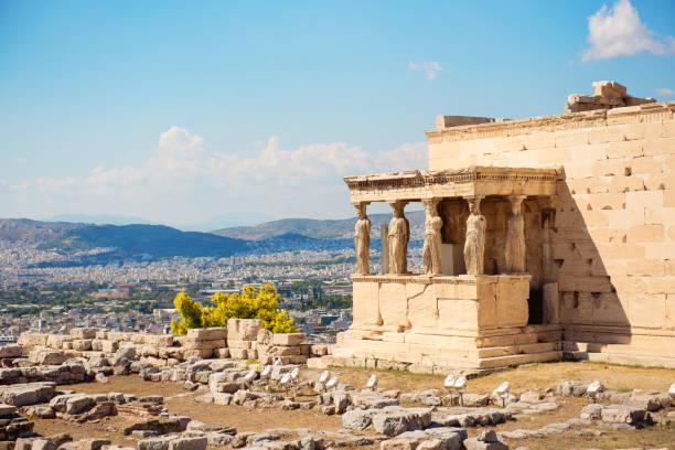 アテナイのアクロポリスのエレクテ - アテネ ストックフォトと画像