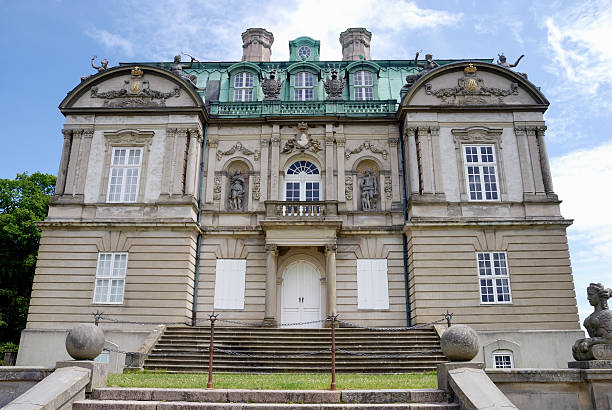 die eremitage palace - eremitage stock-fotos und bilder