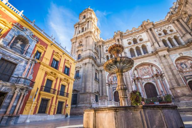 fasaden av katedralen i malaga - katedral bildbanksfoton och bilder