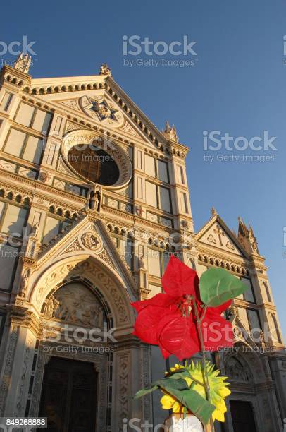 The facade of the basilica of the holy cross in florence italy picture id849268868?b=1&k=6&m=849268868&s=612x612&h=5boodysatlhjs2gj1zg v04mh0rpmq6y6ghr8yh1ndk=