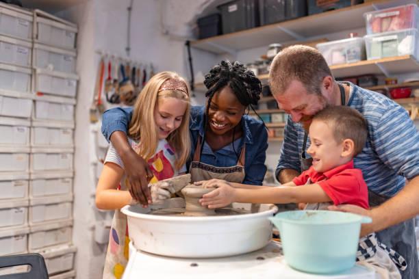 the family art - teacher school solo imagens e fotografias de stock