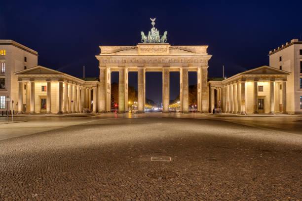 Das berühmte beleuchtet Brandenburger Tor – Foto