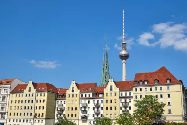the famous nikolaiviertel in berlin - nikolaiviertel stock-fotos und bilder