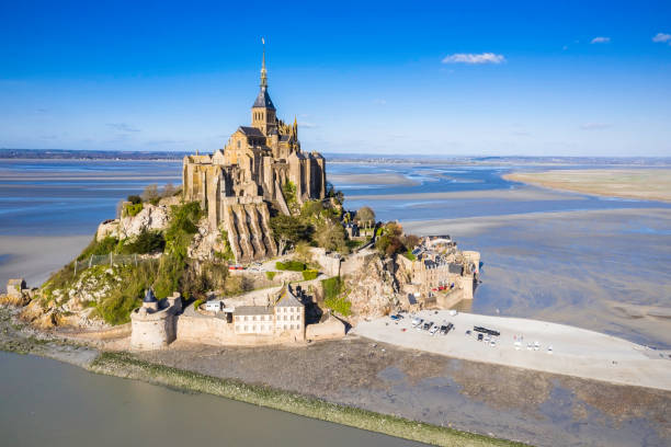 The famous of top view at Mont-Saint-Michel, Normandy, France The famous of top view at Mont-Saint-Michel, Normandy, France manche stock pictures, royalty-free photos & images