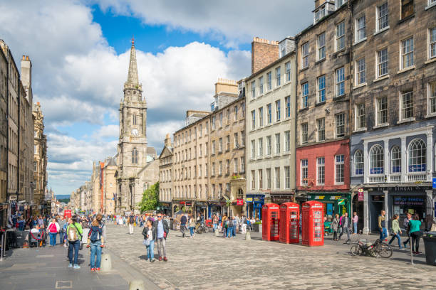 The famous Royal Mile in Edinburgh on a summer afternoon, Scotland. The famous Royal Mile in Edinburgh on a summer afternoon, Scotland. high up stock pictures, royalty-free photos & images