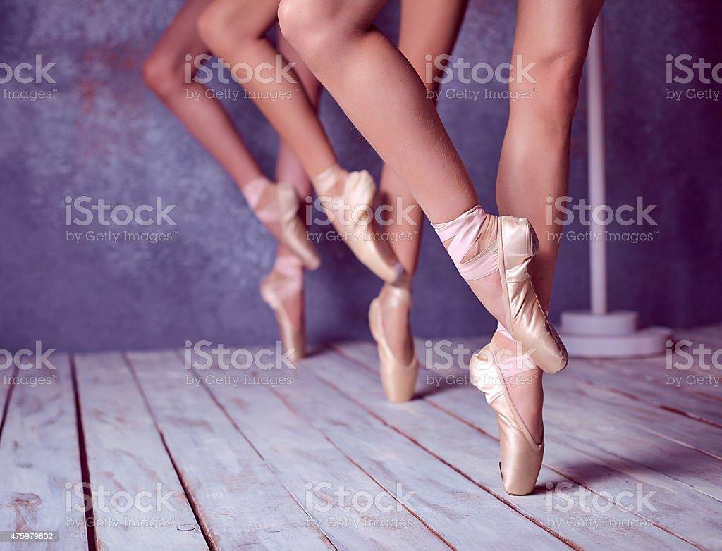 Cтоковое фото Ноги молодого балерин в Пуэнт обувь