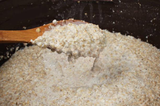 the fermentation filtrate - enzym zdjęcia i obrazy z banku zdjęć