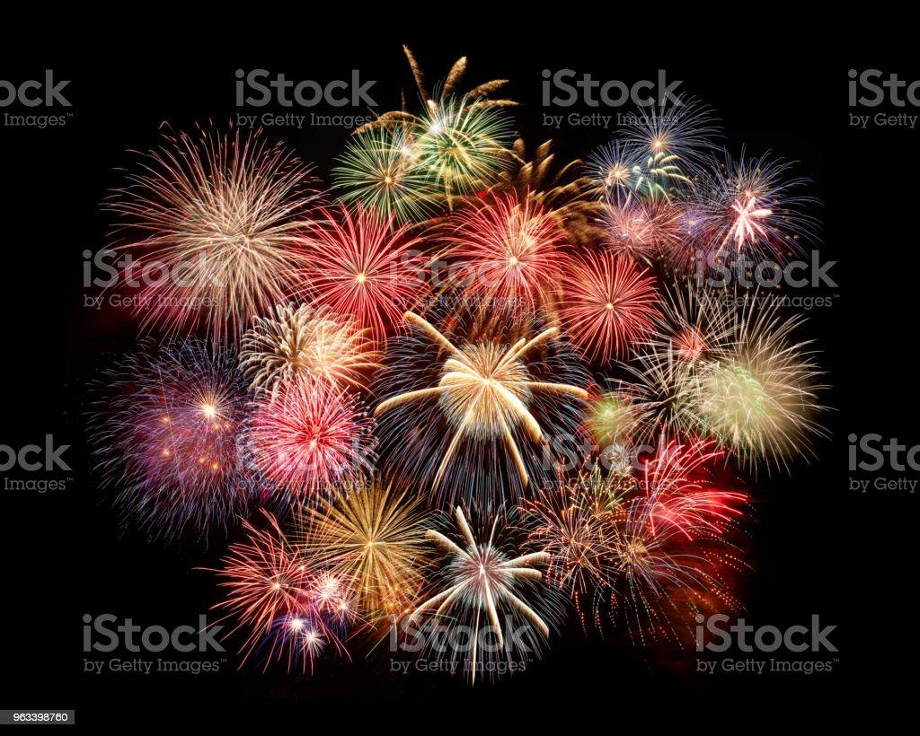the fireworks in the night sky - Zbiór zdjęć royalty-free (Bez ludzi)