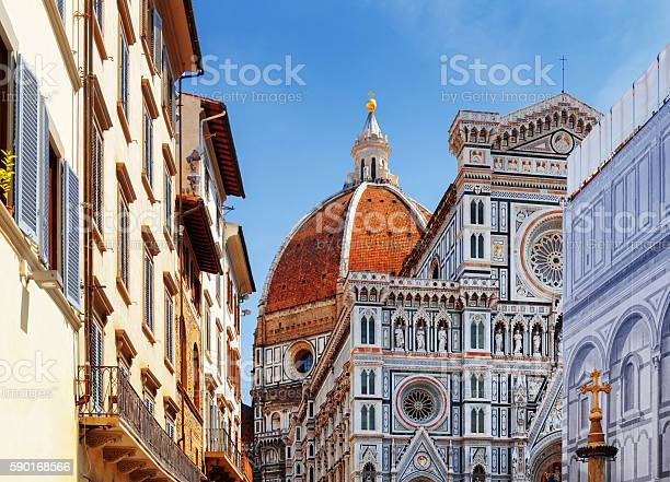 The florence cathedral at historic center of florence italy picture id590168566?b=1&k=6&m=590168566&s=612x612&h=gglzt3y9tvvxnpmcimcxetkhcbkspmlgvwjp4xkyjho=
