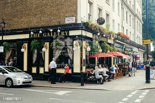 512860403 istock photo The Gallery Pub in Pimlico, London, UK 1165677817