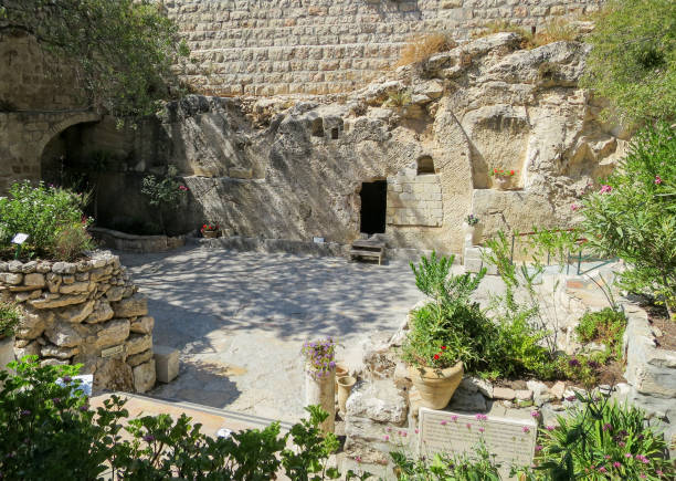 The Garden Tomb The garden tomb in Jerusalem. tomb stock pictures, royalty-free photos & images