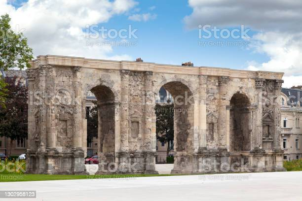 The Gate Of Mars In Reims Stock Photo - Download Image Now